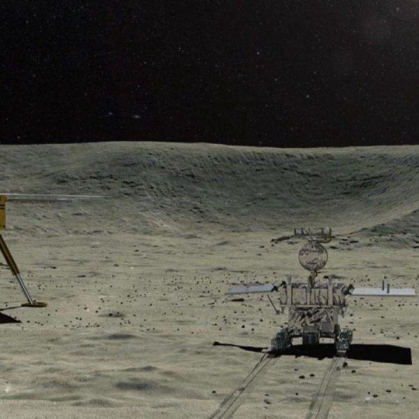Ровер Yutu-2 обнаружил необычное вещество на поверхности Луны (95ef00f22d3a451dbedf016667d9fb7b)