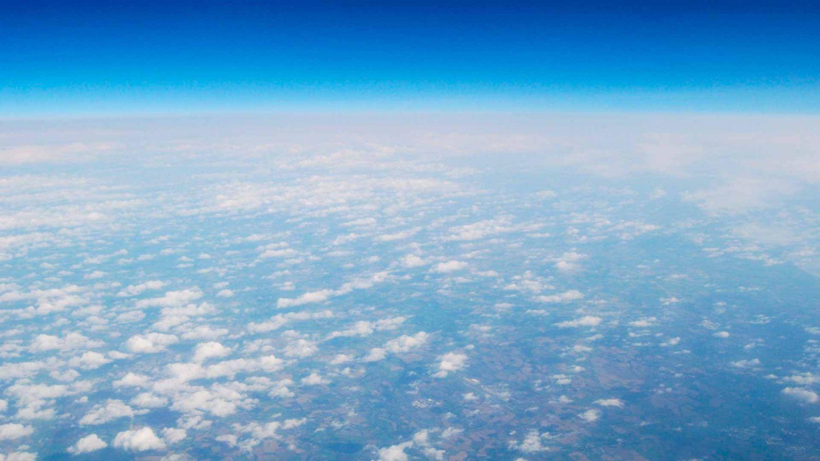 Астрономы обнаружили воду на потенциально пригодной для жизни планете (razmery atmosfery)