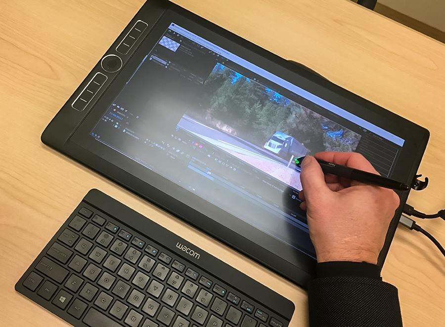 Компания Wacom выпустила планшет за 3500 долларов (rotobrush wide)