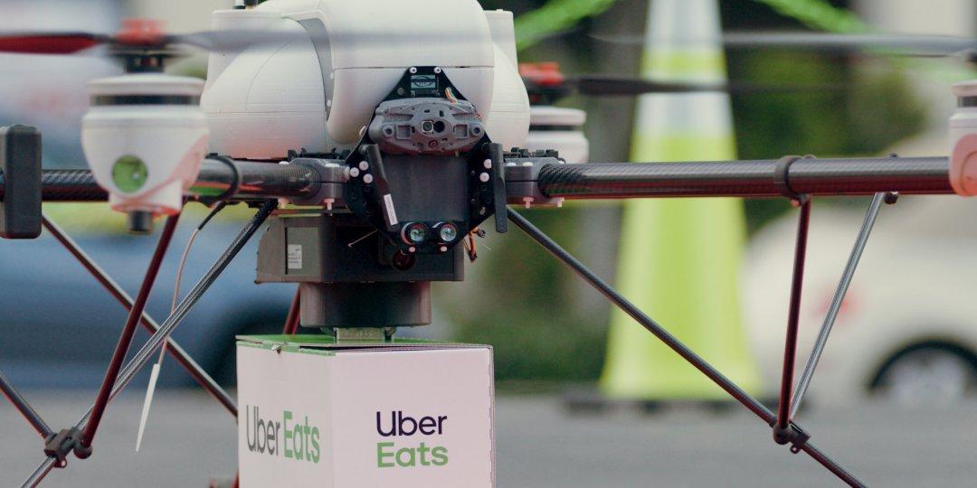Uber представил дронов-доставщиков еды (13 050053 uber eats to use drones to deliver food)