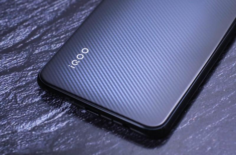 Vivо выпустит доступный смартфон с чипом Snapdragon 855+ (1767993)