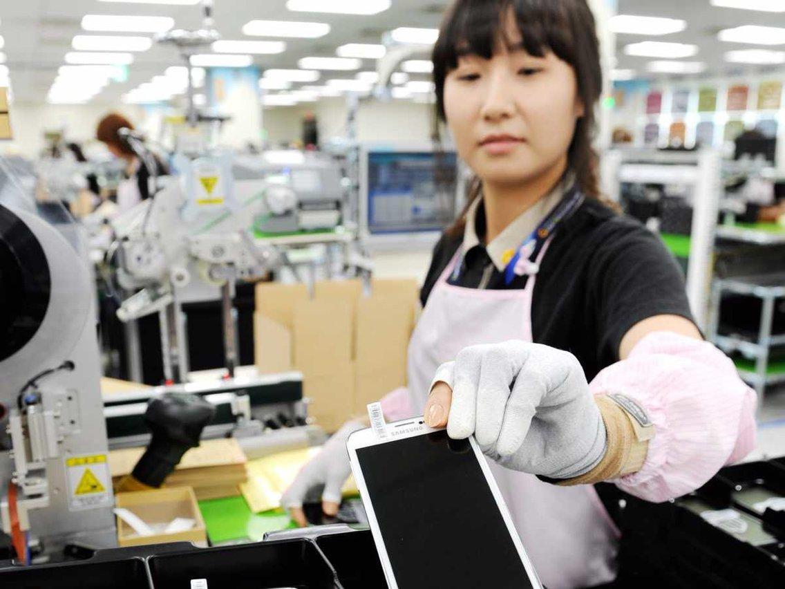 Samsung отказался от сборки смартфонов в Китае (552e237becad046738a7b516 1136 852)