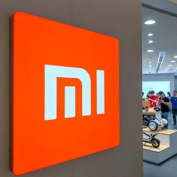 В Сети появились фотографии и характеристики смартфона Xiaomi Mi 10 (5b50411aa310796d8b4c8a27)