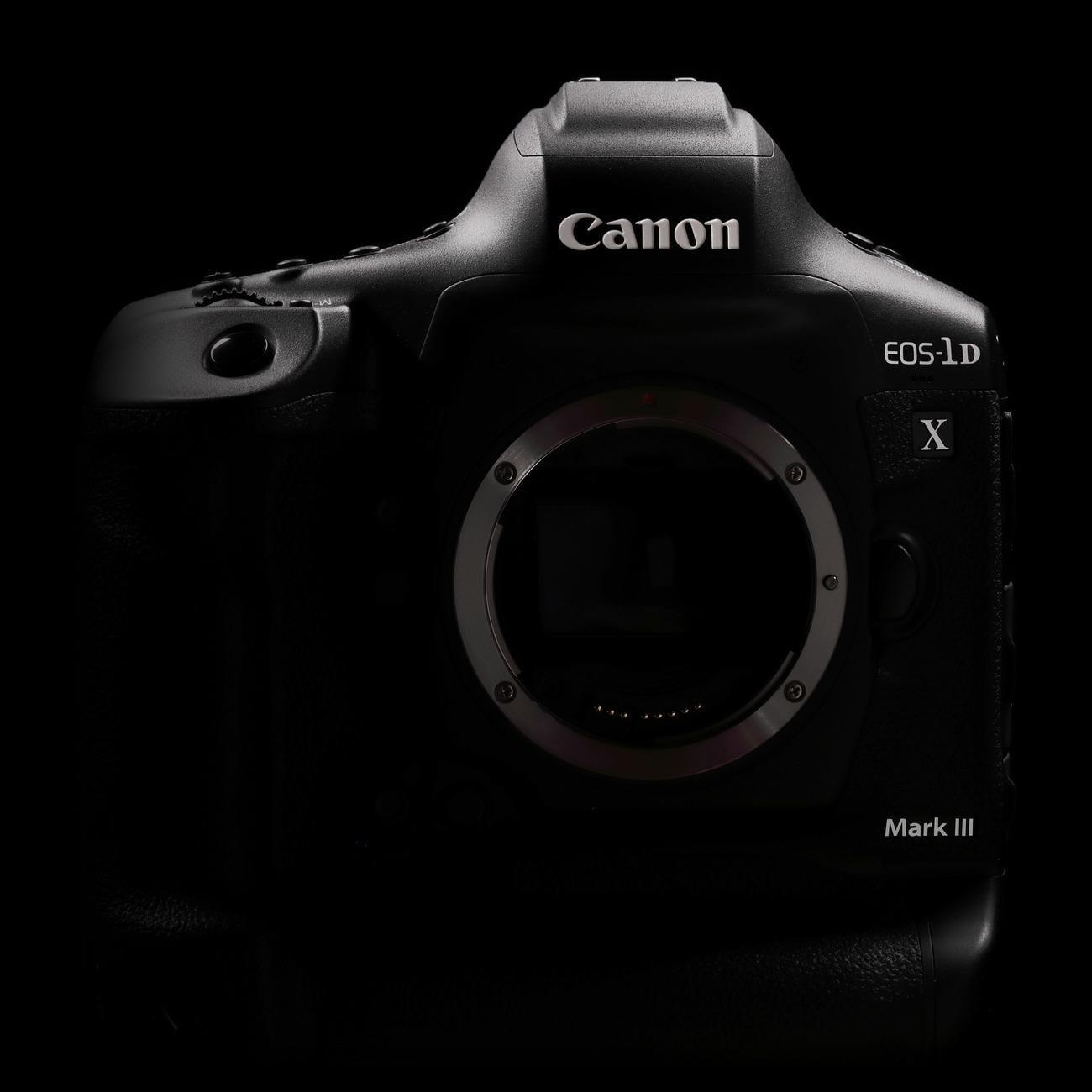 Canon анонсировал разработку EOS-1D X Mark III (eos 1d x mark iii black frt)
