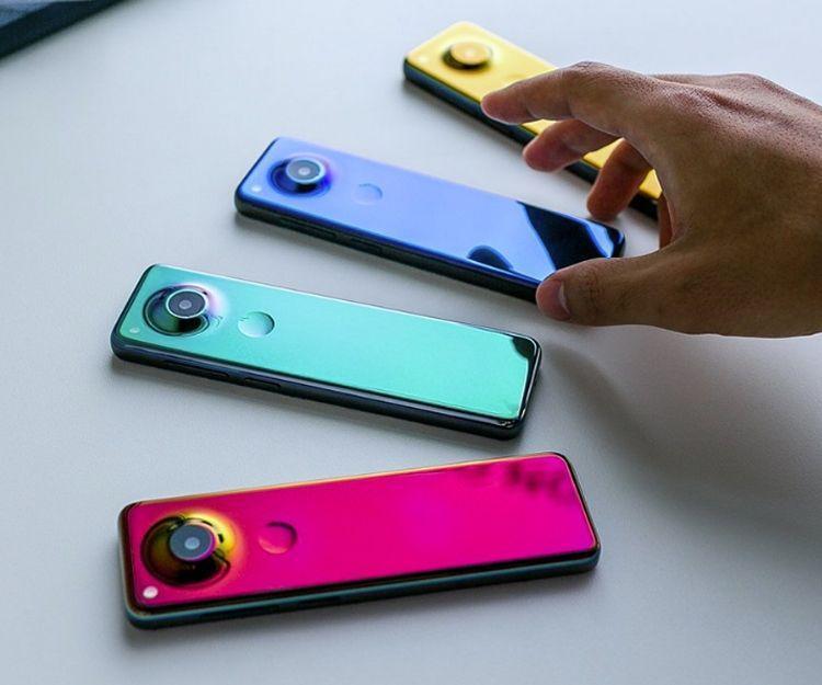 Создатель Android представил смартфон-пульт Essential (ess2)