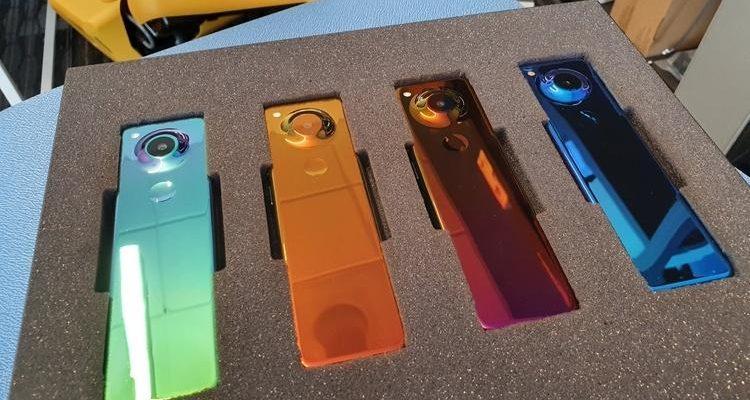 Создатель Android представил смартфон-пульт Essential (ess3)