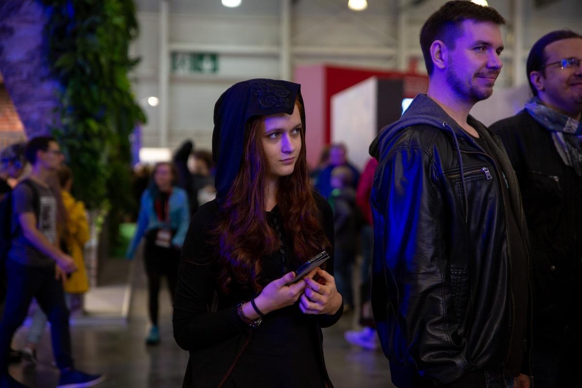 18+. ИгроМир и Comic Con Russia 2019. Самые красивые девушки. День 1 (fotoezh 14)