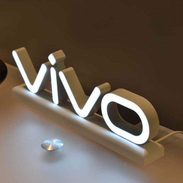 Vivo готовит к выпуску смартфон с аккумулятором на 5000 мАч (vivo logo ces 2018 am ah 0123)