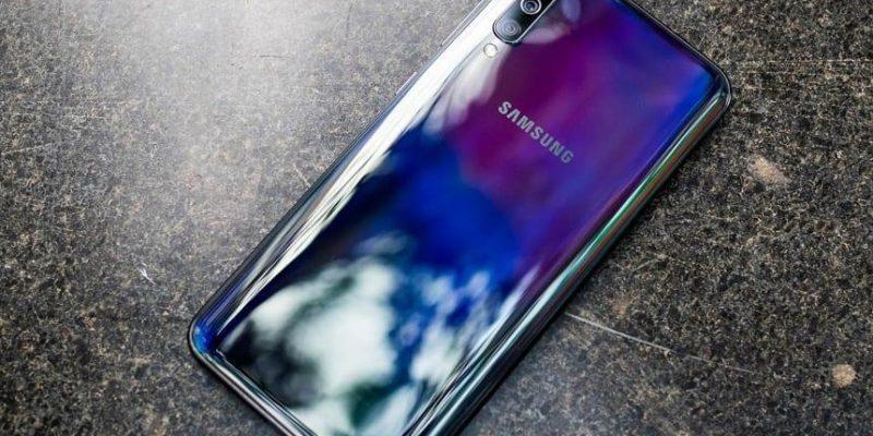 Samsung готовит к выпуску смартфон Samsung Galaxy A51 (2019 11 05 12 08 15)
