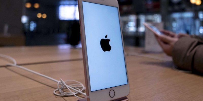 В России резко подешевели старые версии «айфонов» (apple)