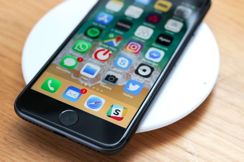 Инсайдеры: iPhone SE 2 выйдет в марте, а iPhone 12 Pro получит 6 ГБ ОЗУ (apple iphone se 2 smartfony flagmany)