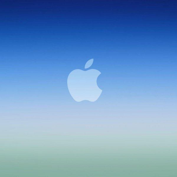 Инсайдеры: iPhone SE 2 выйдет в марте, а iPhone 12 Pro получит 6 ГБ ОЗУ (blue ios gradient apple logowallpaper scaled 1)