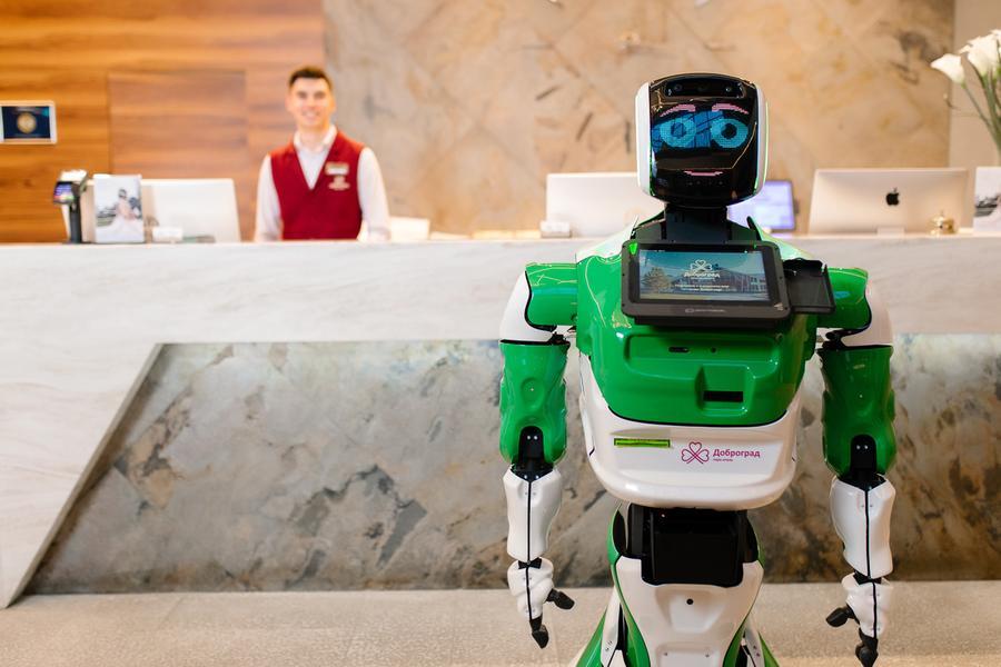 В российском отеле заменили администратора на робота (dc13719a8646339dbfcd7151a573aa75f2d182f4)