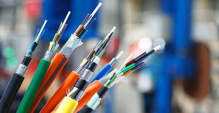 В России создали канал с пропускной способностью 200 Гбит/с без дополнительного усиления сигнала (different types of fiber optic cables)