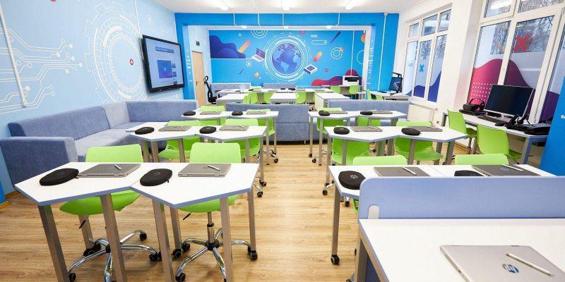 HP запускает первый в России класс будущего HP Learning Studio (1 4)