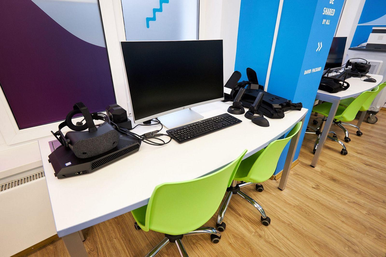 HP запускает первый в России класс будущего HP Learning Studio (2 1)