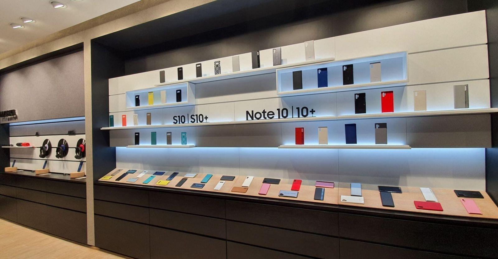Samsung открывает обновленный флагманский магазин на Тверской (20191225 153017 scaled)