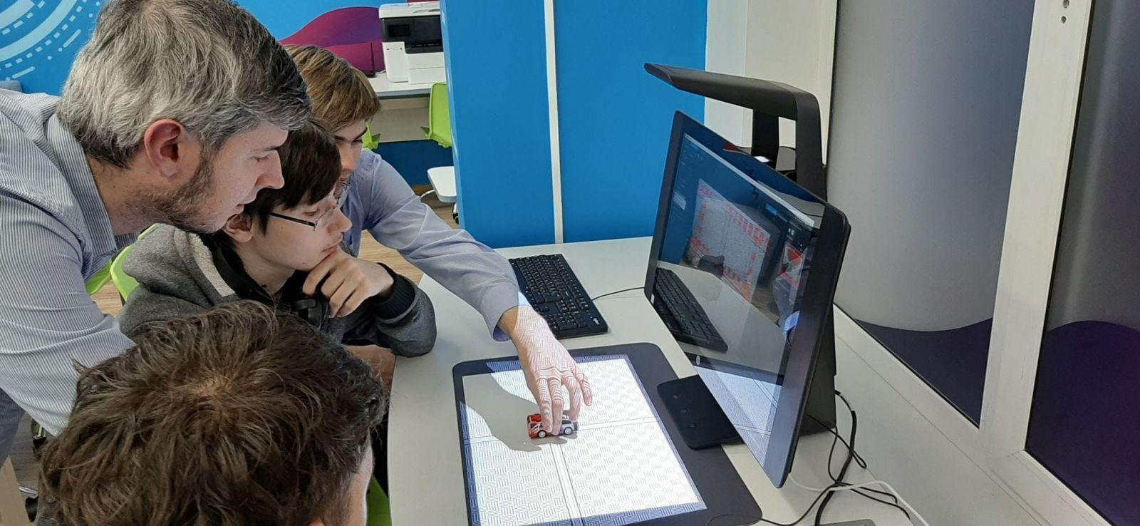 HP запускает первый в России класс будущего HP Learning Studio (5 1 scaled)