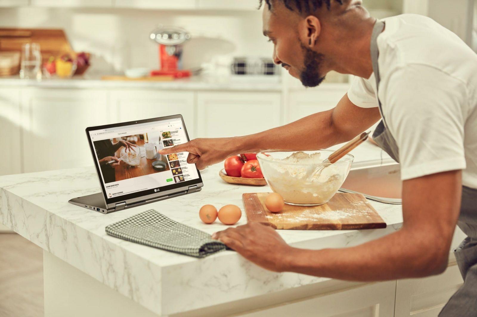 LG представила линейку ноутбуков Gram (lg grammodel 14t90n 1)