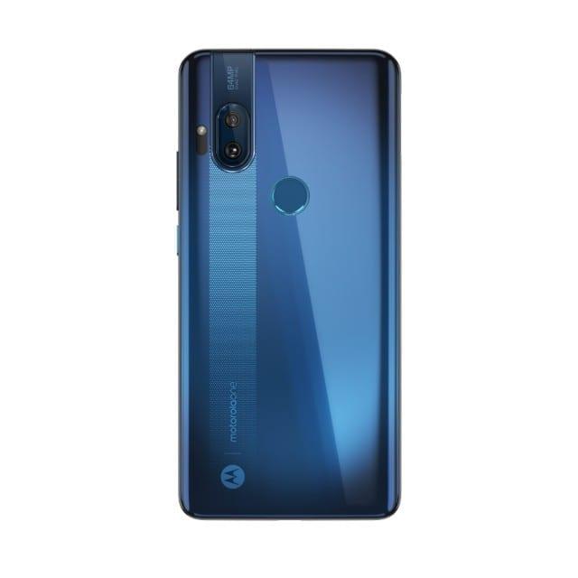 В сети появились фото и характеристики Motorola One Hyper: выезжающая фронтальная камера и сканер отпечатка пальцев на задней стороне (motorola one hyper press renders 6)