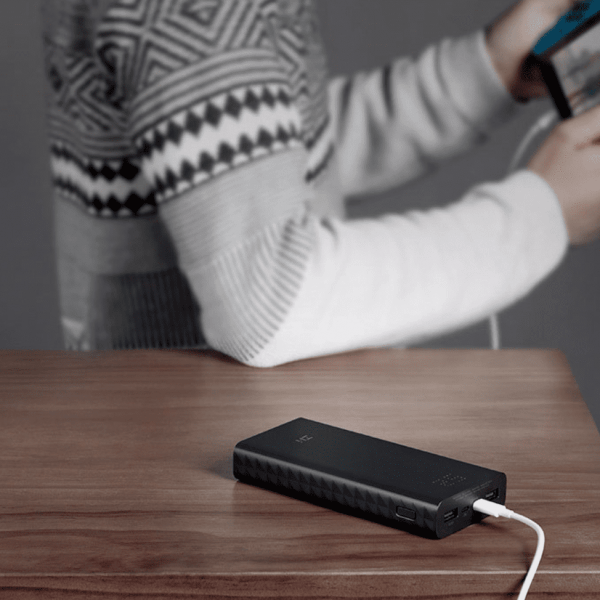 Новый портативный аккумулятор от бренда ZMI точно понравится владельцам iPhone (zmi aura1)
