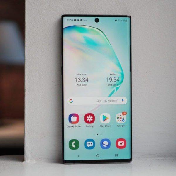 Смартфон Galaxy Note10 Lite поступил в продажу в России (1570884683 samsung galaxy note 10 hoem screen on windowsill 1200x675 large)