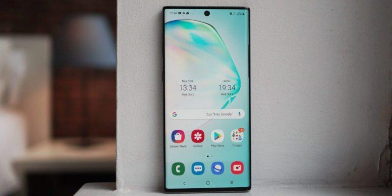 Смартфон Galaxy Note10 Lite поступил в продажу в России (1570884683 samsung galaxy note 10 hoem screen on windowsill 1200x675 large)