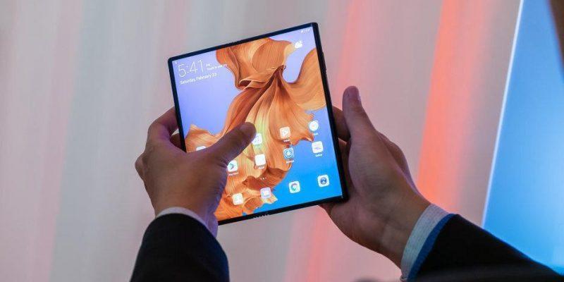 Новый складной смартфон Huawei будет дешевле и компактнее Mate X (faster and more durable foldable huawei mate xs to debut at mwc 2020)
