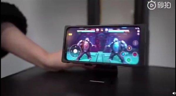 Глава Nubia продемонстрировал возможности смартфона Nubia Red Magic 5G (s a1559ee11628460098f24367dd2bcbbb)