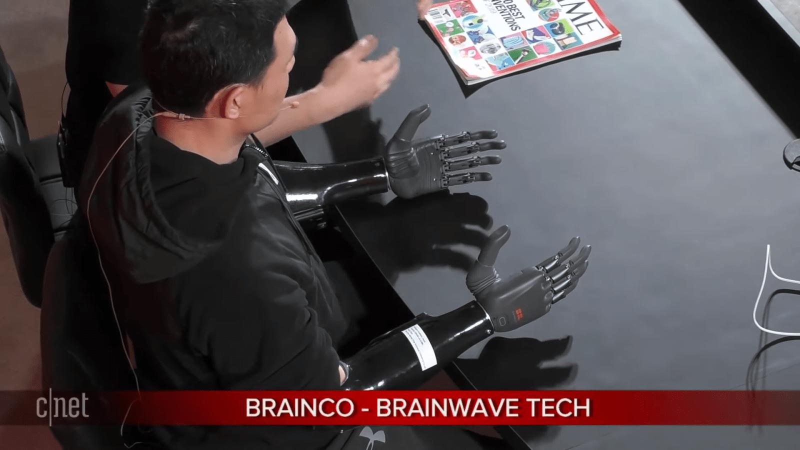 CES 2020. Рука-протез, которой можно управлять силой мысли (snimok jekrana 2)