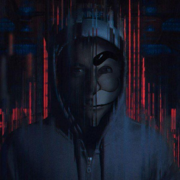 Более чем на миллиарде смартфонов была найдена опасная уязвимость (136682 temnota vymyslennyj personaz polnoch haker televizionnoe shou 3840x2160 1 scaled 1)