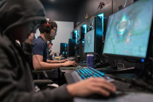 Коронавирус существенно повысил спрос на компьютерные игры в Китае (1450150 five)