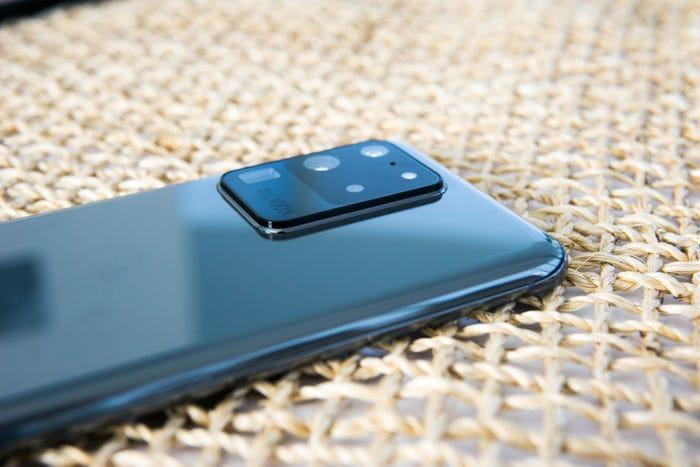 Samsung представил смартфон Galaxy S20, S20+ и S20 Ultra (5e3dafe9e35bab1743662d15)