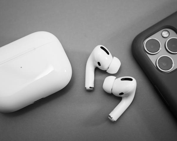 Apple выпустит новые AirPods в мае (airpods 921)