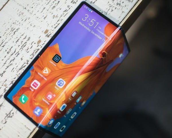 Huawei представит три флагманских устройства 24 февраля (bez nazvanija 2)