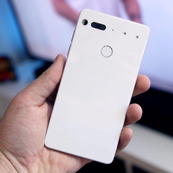 Создатель Android закрывает компанию Essential Phone (essential phone white 01)