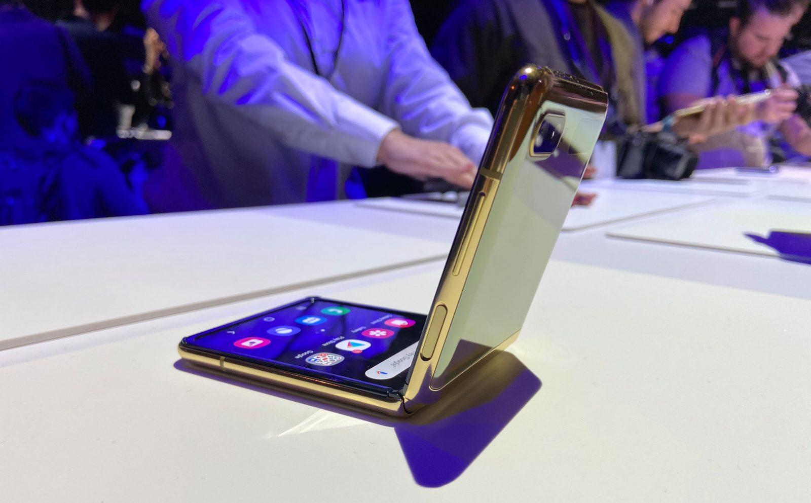 Samsung продает ограниченное количество Z Flip перед официальным запуском (galaxy z flip)