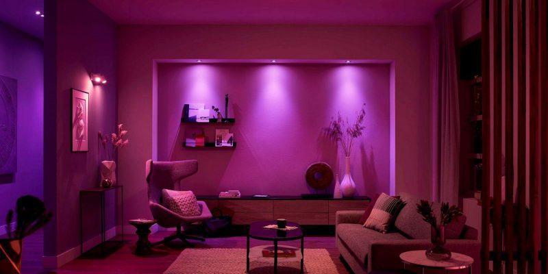 Хакерам удалось взломать умные лампы и получить через них удалённый доступ (philips hue room home system scaled 1)