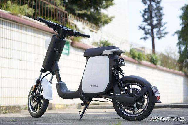 Xiaomi представила электрический скутер за 423 доллара (70mai smart electric scooter 5)