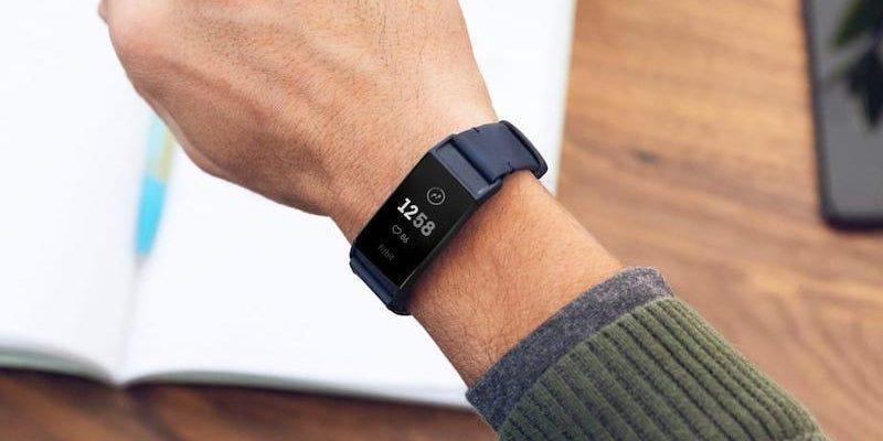 Fitbit Charge 4 наконец то появится со встроенным GPS-чипом (fitbit charge 4 may be imminent retailer posts details fcc listing)