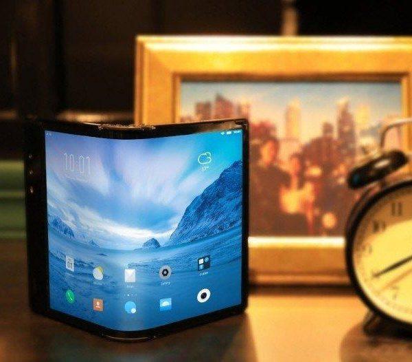 Компания Rouyu Technology показала новый складной смартфон FlexPai 2 (gsmarena 001 4)