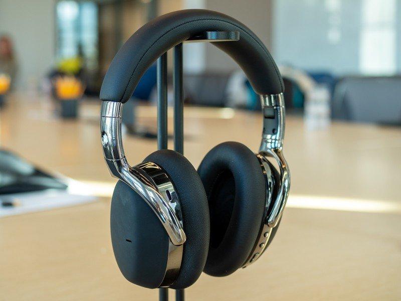 Montblanc выпускает свою первую беспроводную гарнитуру с функцией шумоподавления (montblanc anc headphones 2)