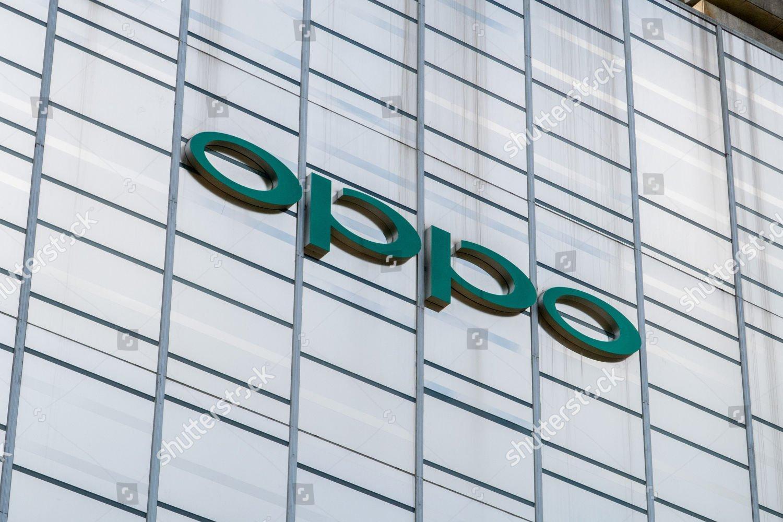 OPPO выпустит собственную линейку умных телевизоров (oppo super flagship store shanghai china shutterstock editorial 9795942c)