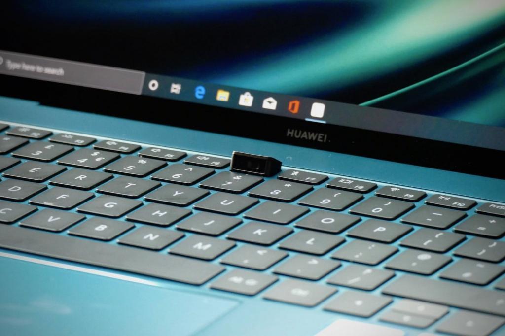 Ноутбуки Huawei MateBook 13 и MateBook X Pro поступили в продажу в России (185589b25300a80e2c1aa07459de0f70)