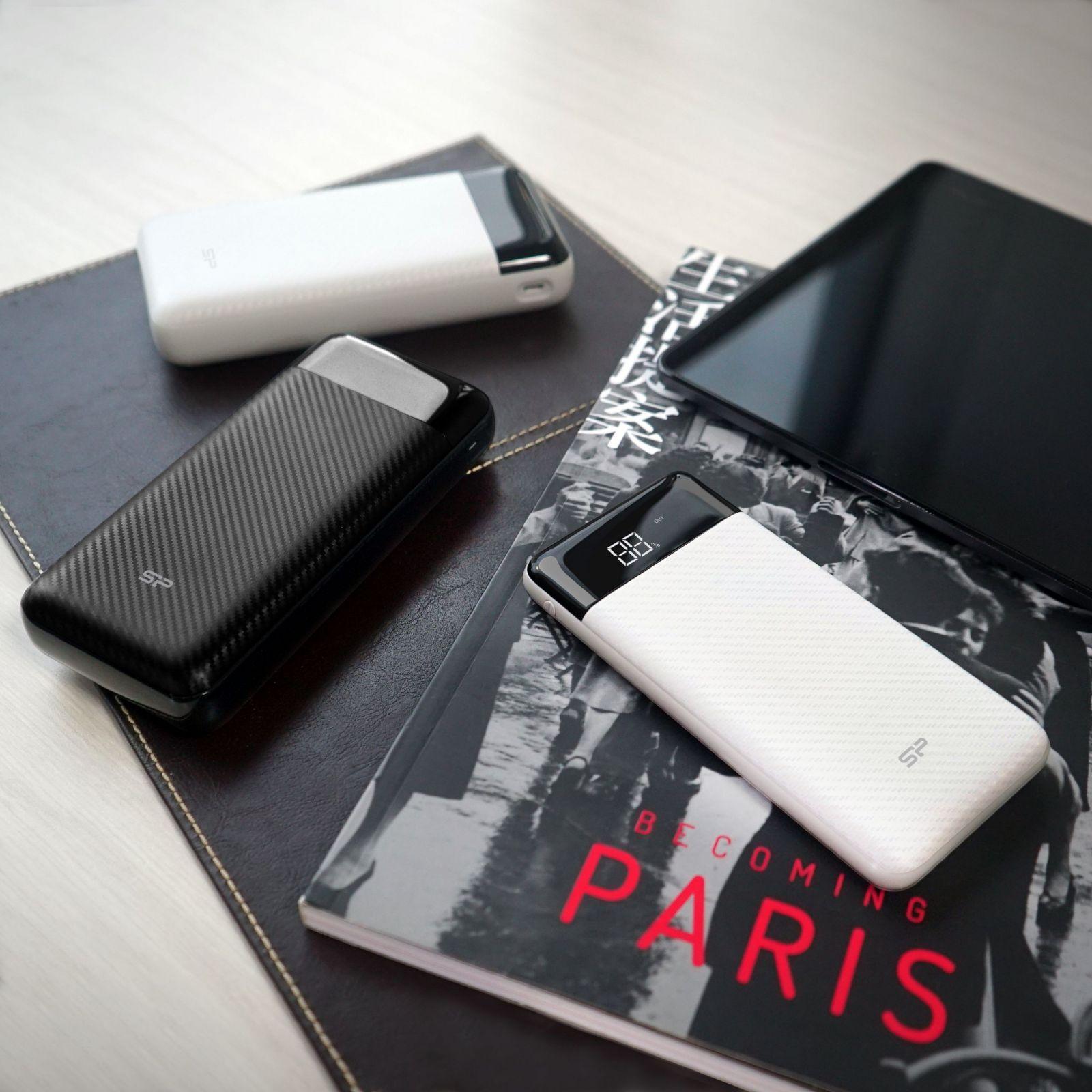 Silicon Power выпустил аж 5 новых внешних аккумуляторов (ps lifestyle 2 scaled)