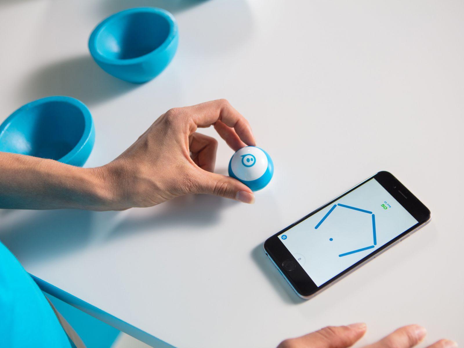 Устройства для работы и отдыха во время самоизоляции (sphero mini)