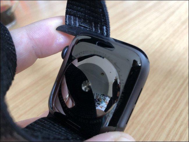Как очистить и дезинфицировать часы Apple Watch ()