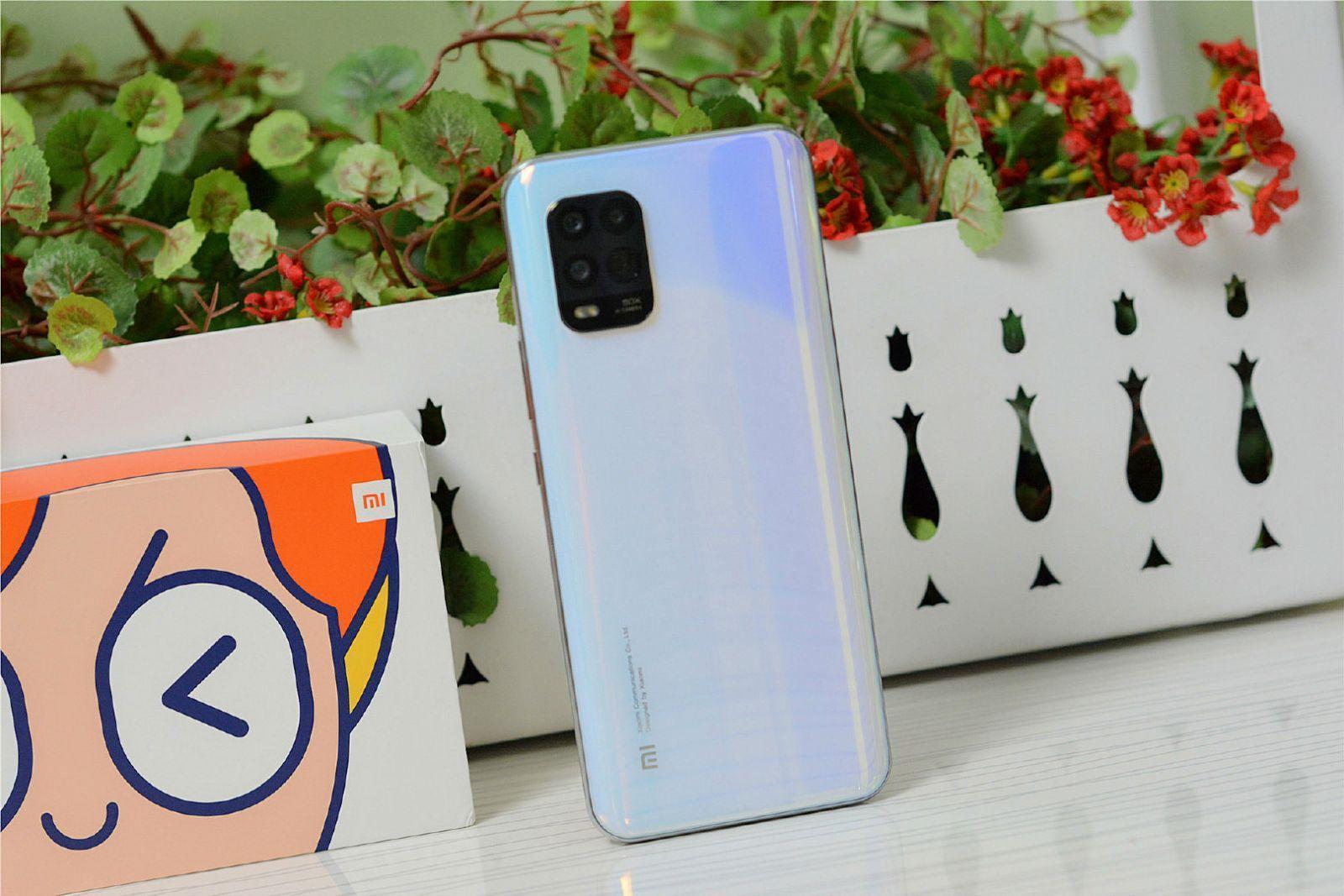 Xiaomi представила недорогой смартфон Xiaomi Mi 10 Youth Edition ()