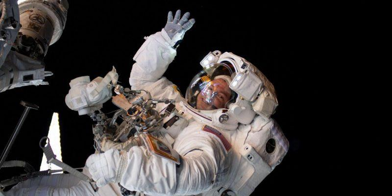 Астронавт NASA снял на МКС видео про Звёздные Войны (drewmorganspacewalk)