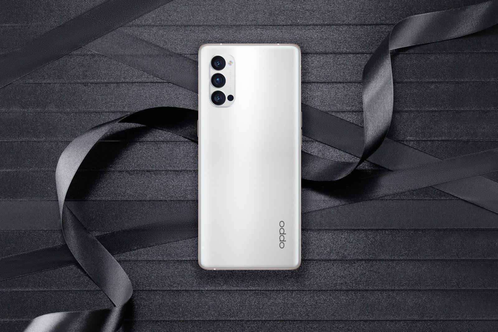 Oppo опубликовала фотографии смартфона Oppo Reno 4 (ezmvyhovaaiobzm large)